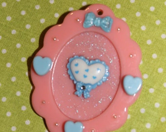 Cameo brooch blue heart