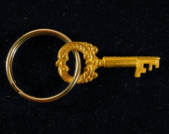 Victoria key ring