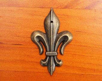 Metal woodwork embellishment - 'Fleur De Lis' - French lily, antique style feature - decoration - hardware / craft supplies