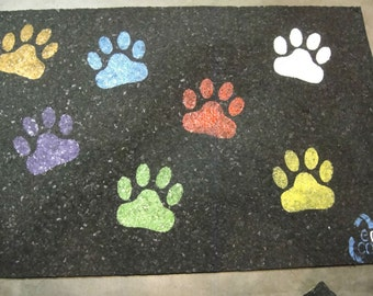 Recycled Rubber Paw Print Pet Placemat - Large