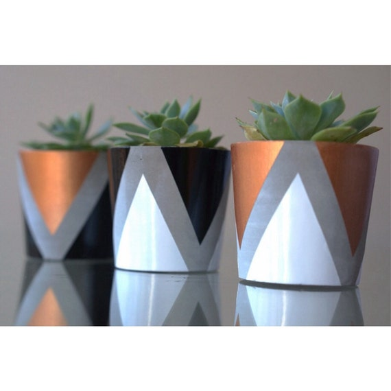 Set of 3 mini concrete planters