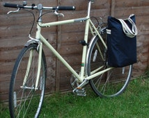 Bicycle pannier bag & shoulder tote - navy blue antique waxed cotton.