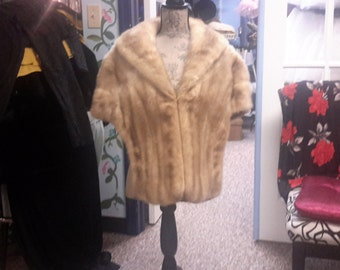 Vintage 1950 blonde mink stole wrap cape. Beautiful condition no odors for women. Freeshipping!!!