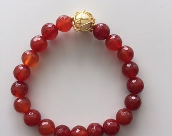 """The """"Hannah"""" bracelet. Agate with a wire wrapped mother of pearl"""
