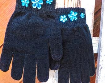 Black stretch button gloves
