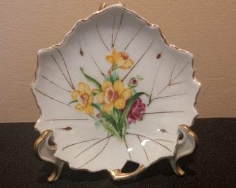 Japanese Daffodil Candy Dish in Leaf Design