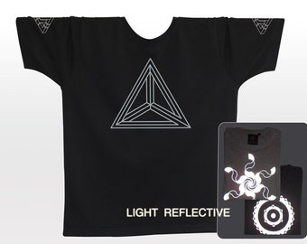 Impossible Triangle . Optical Illusion T-shirt . light reflective silver print