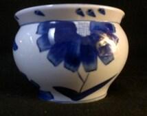 Blue and White Oriental Style Planter/Vase (183)