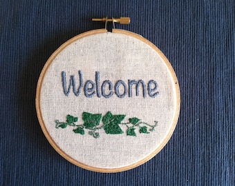 "Welcome in English - Hand Embroidered 4"" wooden hoop"