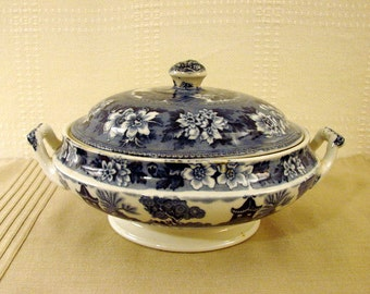 John Steventon & Co, Covered Round Serving Dish, Blue and White