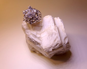 Vintage Showy Snowflake Ring