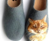 Hand Felted wool slippers, needle felt animal , Waldorf art. Fiber art, Pet art, Cat slippers. Wool paint Portrait. Personalized gift