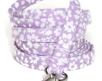 "XS Leash - White Flowers on Pale Purple - 3/8"" wide 4 or 6 feet Extra Small Leash for Dogs and Cats"