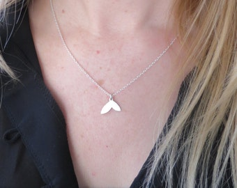 Sterling Silver Petal Drop Delicate Layering Necklace/Minimalist Necklace/Dainty Silver Necklace