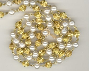 1 Foot Vintage Japan 8mm Pearls & Fluted Brass Bead Chain Ch220