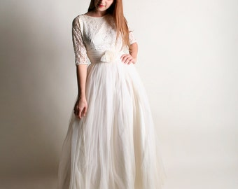 Vintage 1960s Wedding Dress - Snow White Chiffon Lace Gown - Small Medium
