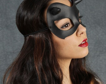 Minx mask in black leather