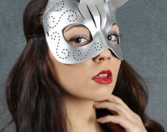 Tatted Kitty mask in silver