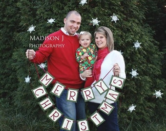 Merry Christmas Banner - Christmas Photo Sign and Home Decor - Christmas Garland