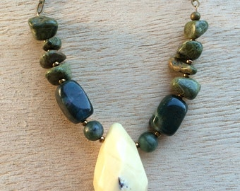 N208 Olive and Yellow Necklace