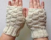 Cream Basket Weave Fingerless Gloves