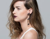 Lace earrings - Translation - Black triangular lace with bass sticks