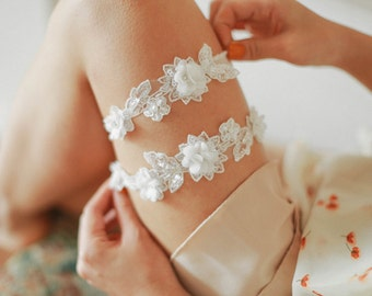 Lace wedding garter set, bridal garter set, garter belt, rustic wedding garter - style 502