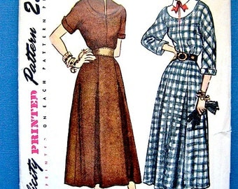 Vintage 1940s or early 50s Simplicity 2649 Sewing Pattern   40s Dress Pattern   Bust 34 inches