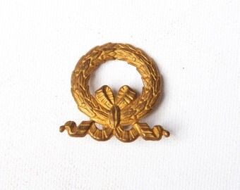 Vintage brass ornament - Laurel wreath nail cover