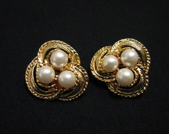 MINT Vintage Round Gold Plated Twisted Eternity Knot and White Faux Pearl Cluster Clip Earrings