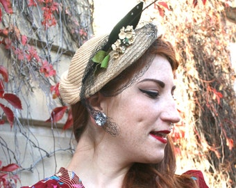 Vintage 1930s Natural Straw Deco Leaf Hat