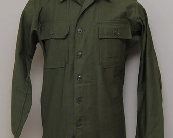 NOS Vintage 1960s Army green button up work shirt/ Vintage 60s Army uniform work shirt