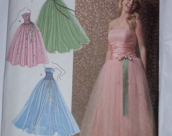 Jessica McClintock gown pattern Simpicity size 12 through 20