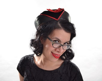 Vintage 1950s Hat - Black Straw Red V - Pillbox Fashions