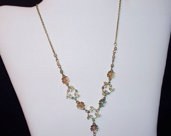 Nancy and Rise Flower and Leaf Necklace (1645)