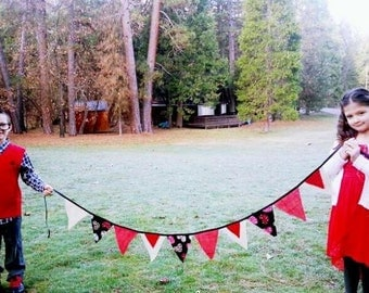 Rustic Heart Valentine Banner Fabric Bunting Burlap Photo Prop Valentine Party Decor