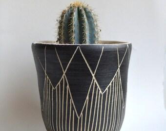 S T A L A C T I T E  || tribal stoneware planter