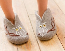 Felted women slippers decorated with owl handmade house shoes Gray