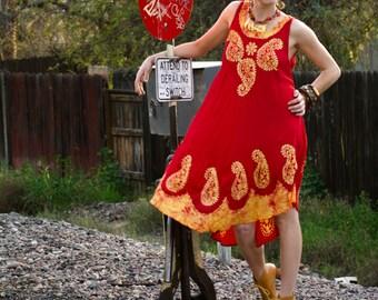 Vtg Ethnic BATIK Indian Boho Hippie Midi Tent Dress OS Red & Gold Summer Festival Free Flowing Dress Bias Cut Hem Paisley Batik
