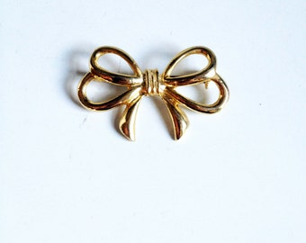 Vintage Gold Tone Bow Pin