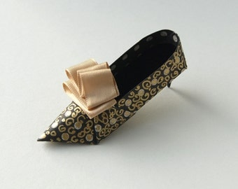 Royal High Heel Origami Shoe with Beige Ribbon Detail