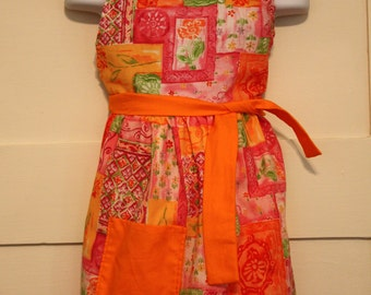 Orange and Floral Child Apron, Girl Apron, Kid Apron, Girl Apron, Flower Apron, Craft Apron, Baker Apron, Christmas Gift for Girl