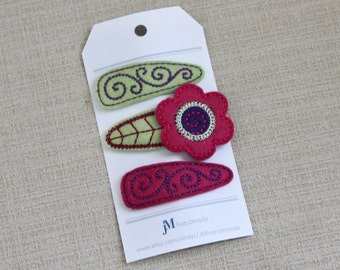 Girls Clip Set Bright pink daisy flower green and purple 3 pack 100% Wool Felt Snap clips
