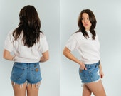 1980s 90s Vintage High Waisted Wrangler Denim Shorts | Frayed Fringe Cut Offs Short Shorts | Size 30 Inch Waist Medium | USA Authentic 15H