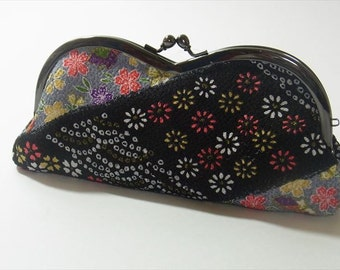 Japanese Kawaii Kimonofabric eyeglasses case(GAMAGUCHI)Diagonal Stripe with Flower and Butterfly on Black
