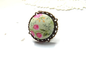 Big floral fabric statement ring , gift for her , adjustable cocktail ring , Vintage style statement  ring