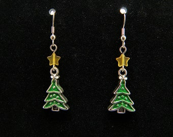 Green Christmas Tree Earrings with Carnelian Stars - Hypoallergenic Silver Tone French Hook Earrings
