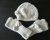shell beanie and fingerless gloves set