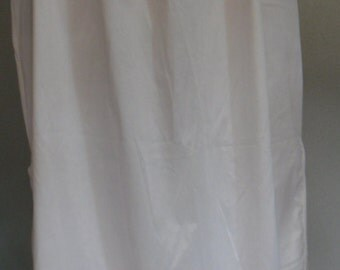 Vintage new Van Raalte underwear lingerie long skirt, offwhite, size medium