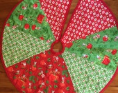 Small Quilted Christmas Tree Skirt - Red & green designer prints